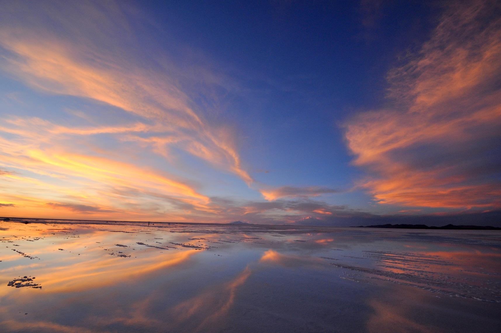 南米 「ウユニ塩湖」 こんな綺麗な景色が出現するなら良いのですが・・: